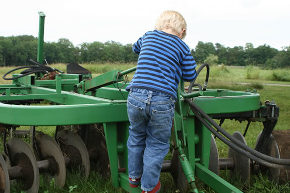 'Meet the Machines' at Appleton Farms will introduce you to farm machines